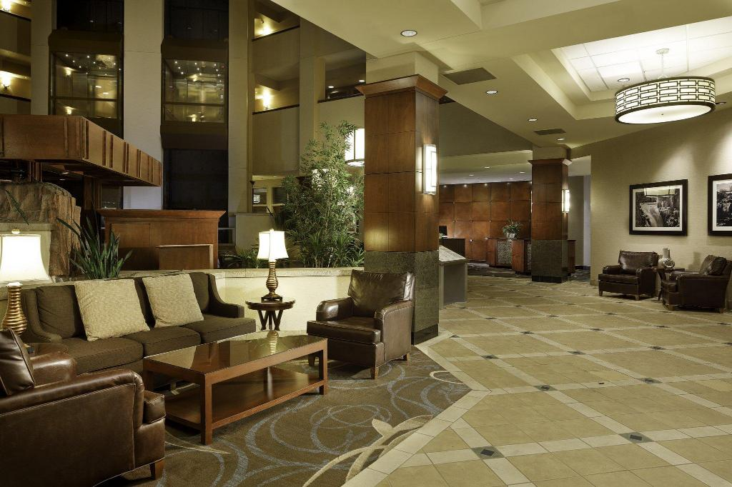 Foyer Sheraton Sioux Falls & Convention Center