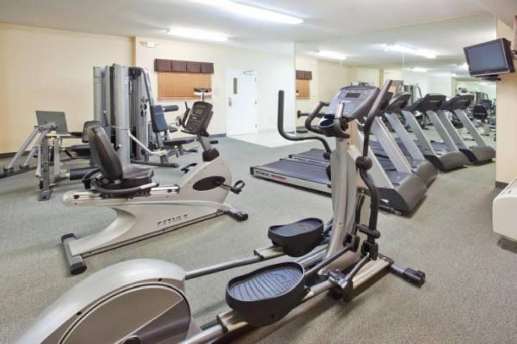 Fitness center Candlewood Suites-Augusta