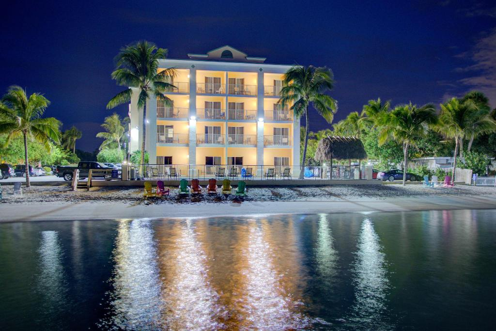 More About Hutchinson Island Plaza Hotel Suites