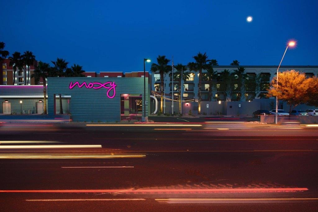 Moxy Phoenix Tempe Asu Area Hotel