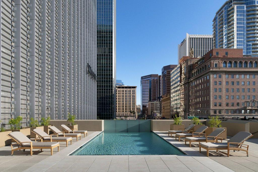 Swimming pool [outdoor] The Westin Phoenix Downtown