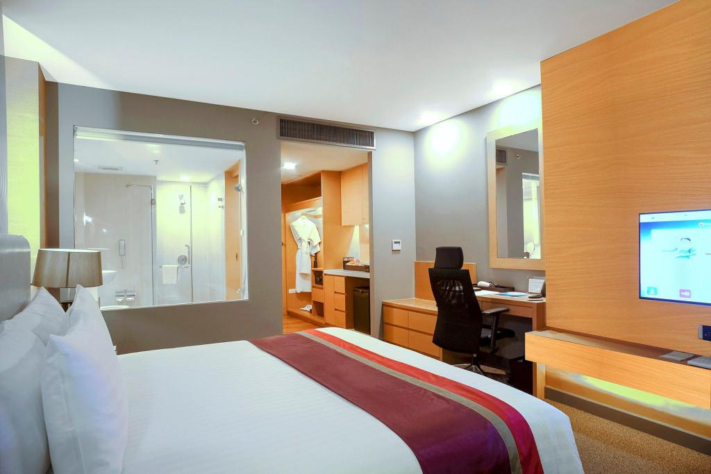 Deluxe - King Bed - Room plan Sivatel Bangkok Hotel