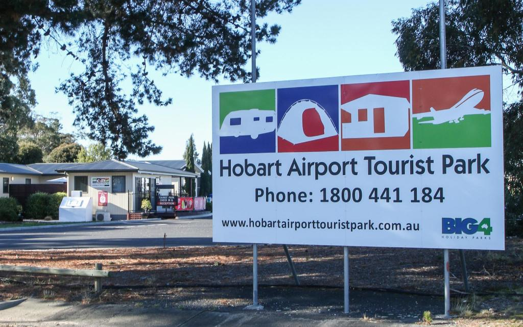 Entrance Hobart Airport Tourist Park Hotel