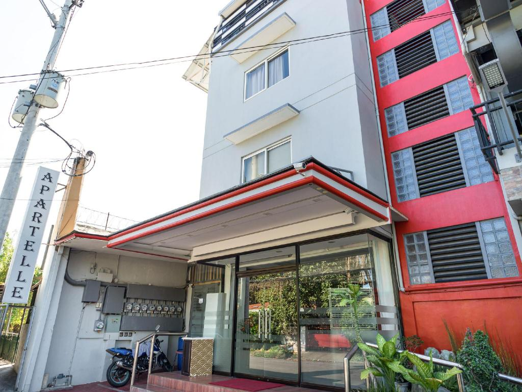 Southland Apartelle Hotel