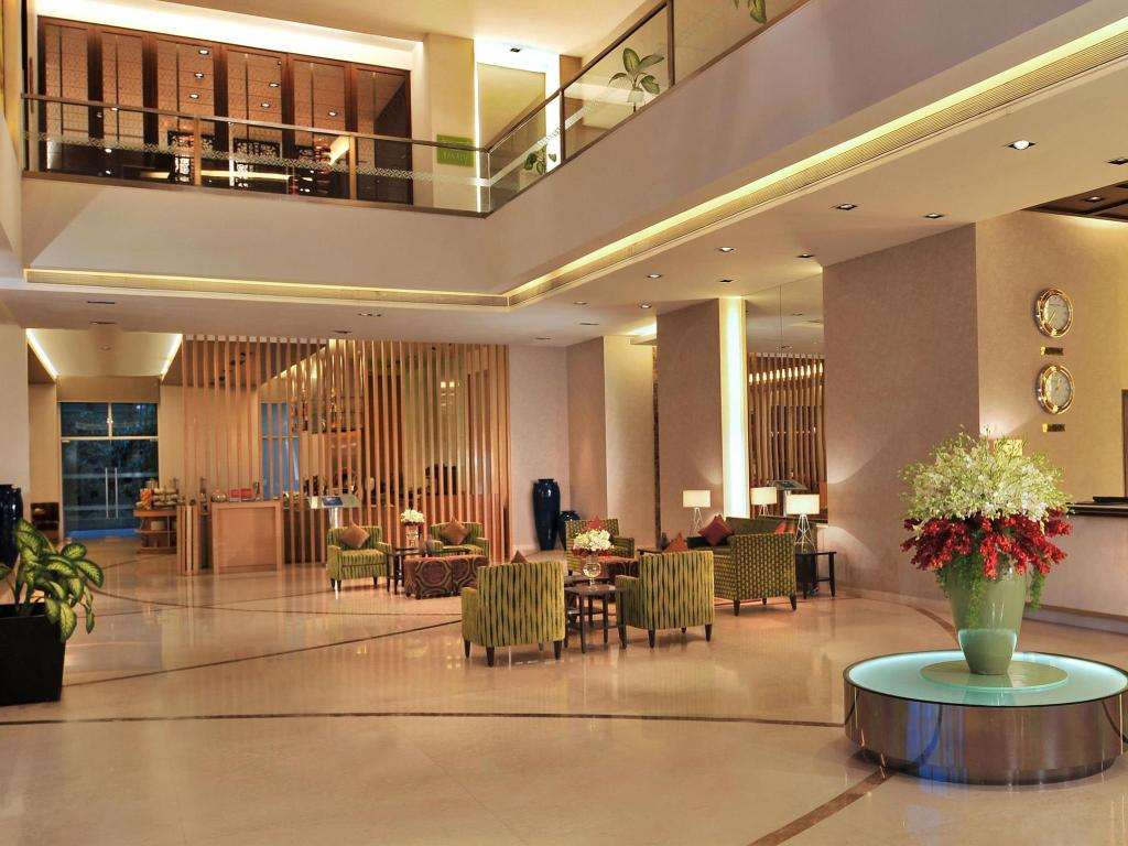 Lobby Four Points By Sheraton, Hotel and Serviced Apartments, Pune