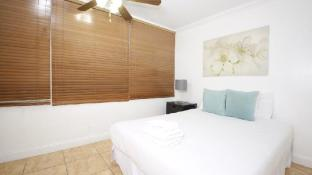 Collins Apartments by Design Suites Miami 1018