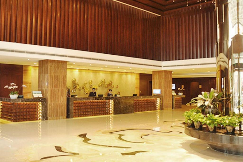 Lobby Kunming Golden Eagle Summit Hotel
