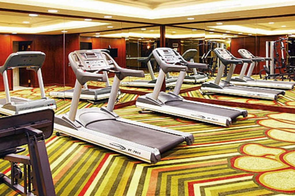 Fitness center Kunming Golden Eagle Summit Hotel
