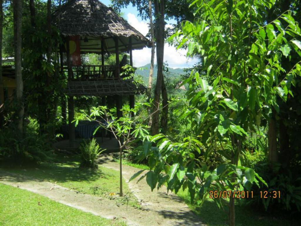 Amy's Earth House Hotel in Pai - Room Deals, Photos & Reviews