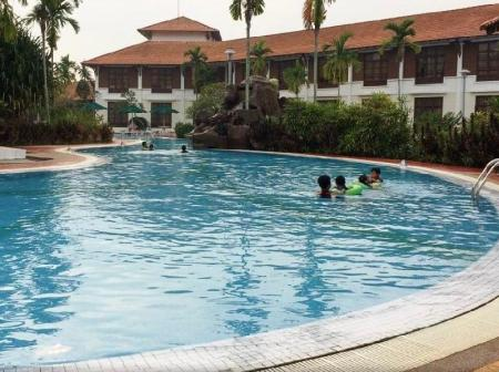 Swimming pool Hotel Impian Morib