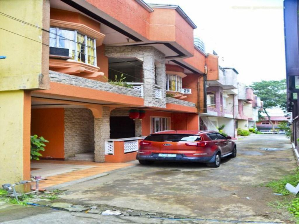 3BR Tagaytay Townhouse for Daily Rent
