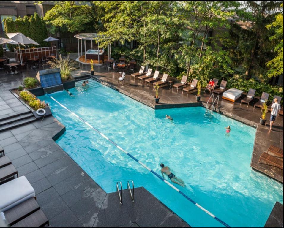 Hotel Bonaventure Montreal In Montreal Qc Room Deals Photos Reviews