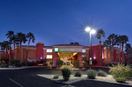 Экстерьер Holiday Inn Express Hotel & Suites Scottsdale - Old Town