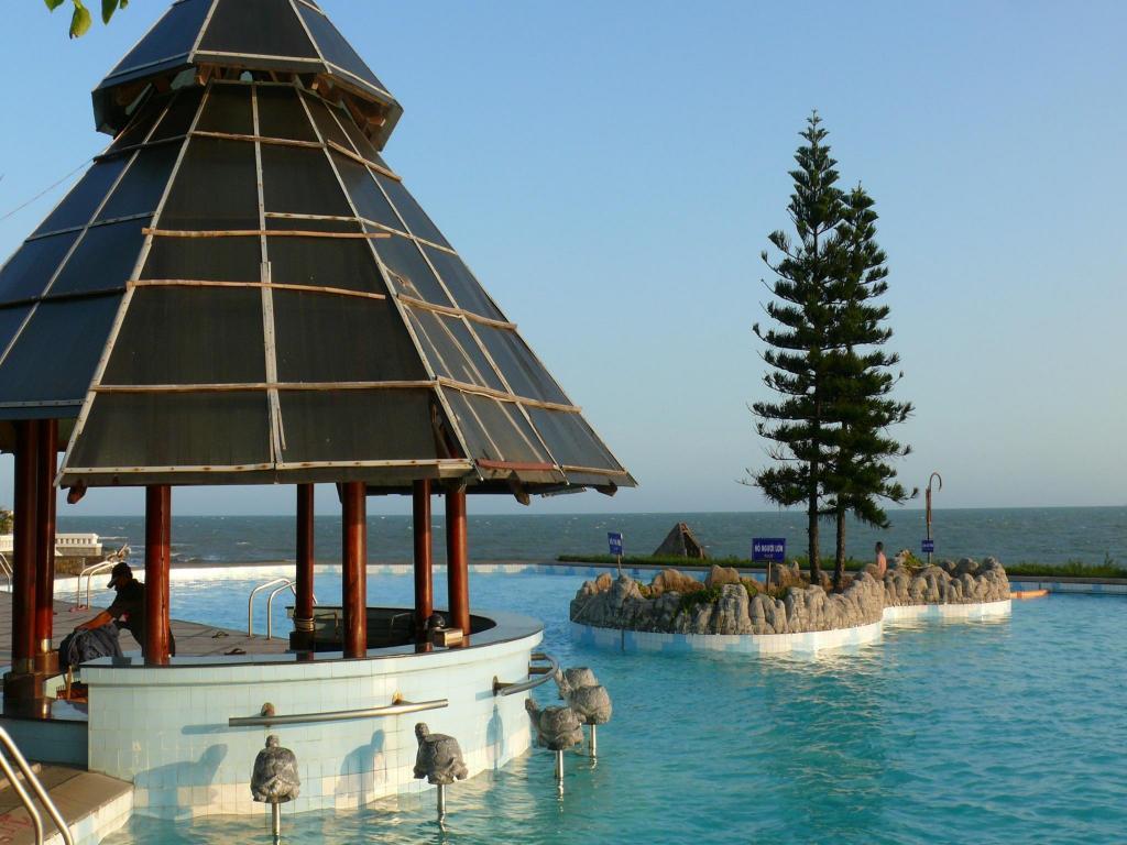 Long Hai Beach Resort Reviews