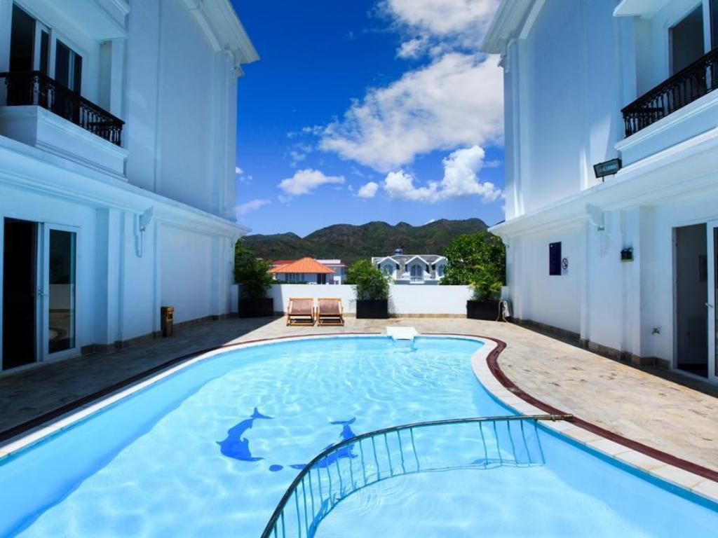 Swimming pool [outdoor] Paragon Villa Hotel Nha Trang