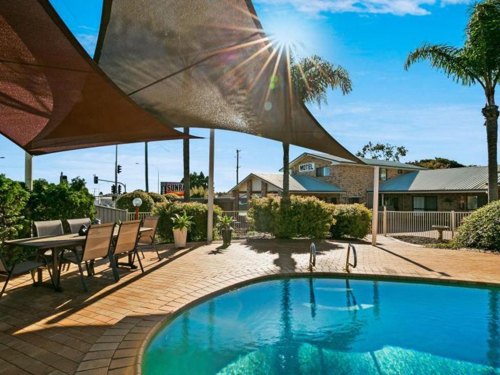 Sunray Motor Inn  Toowoomba