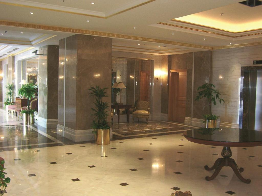 Interior view Madinah Movenpick Hotel