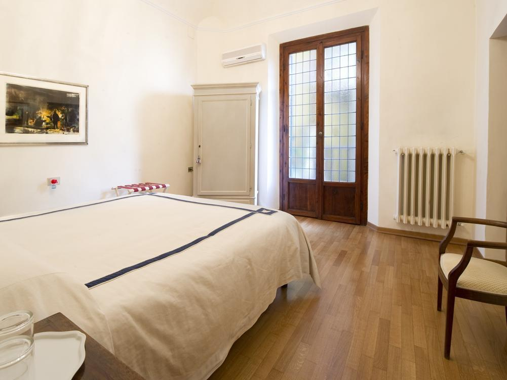 Best Price on Soggiorno Rondinelli in Florence + Reviews!