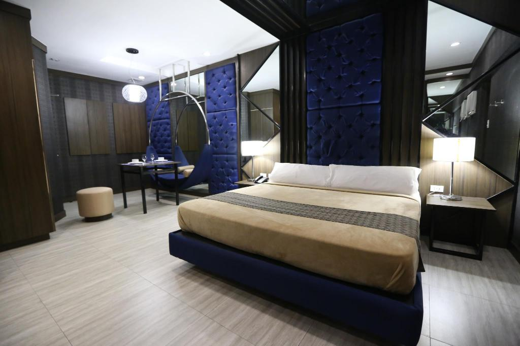 Victoria Court Canley Motorist Lodge in Manila - Room Deals