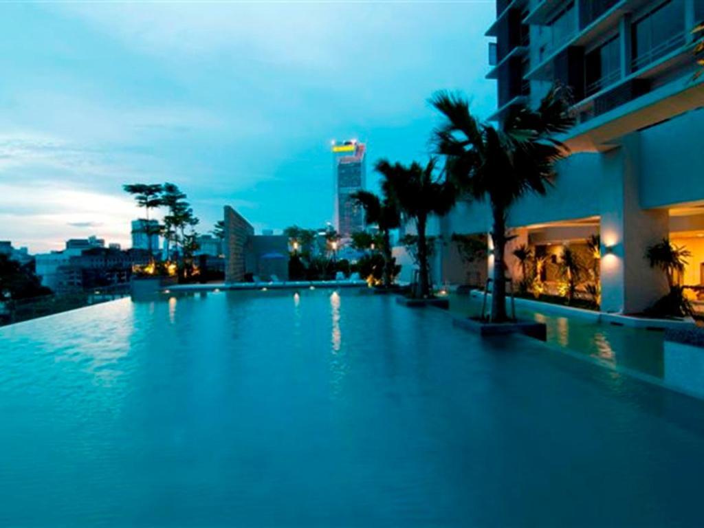 Best price on swiss garden residences bukit bintang kuala lumpur in kuala lumpur reviews for Best hotel swimming pool in kuala lumpur