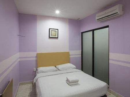Deluxe Double EV World Hotel Sri Petaling