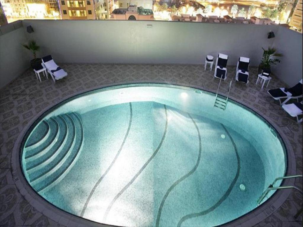 Best price on auris hotel apartments deira in dubai reviews - Dubai airport swimming pool price ...
