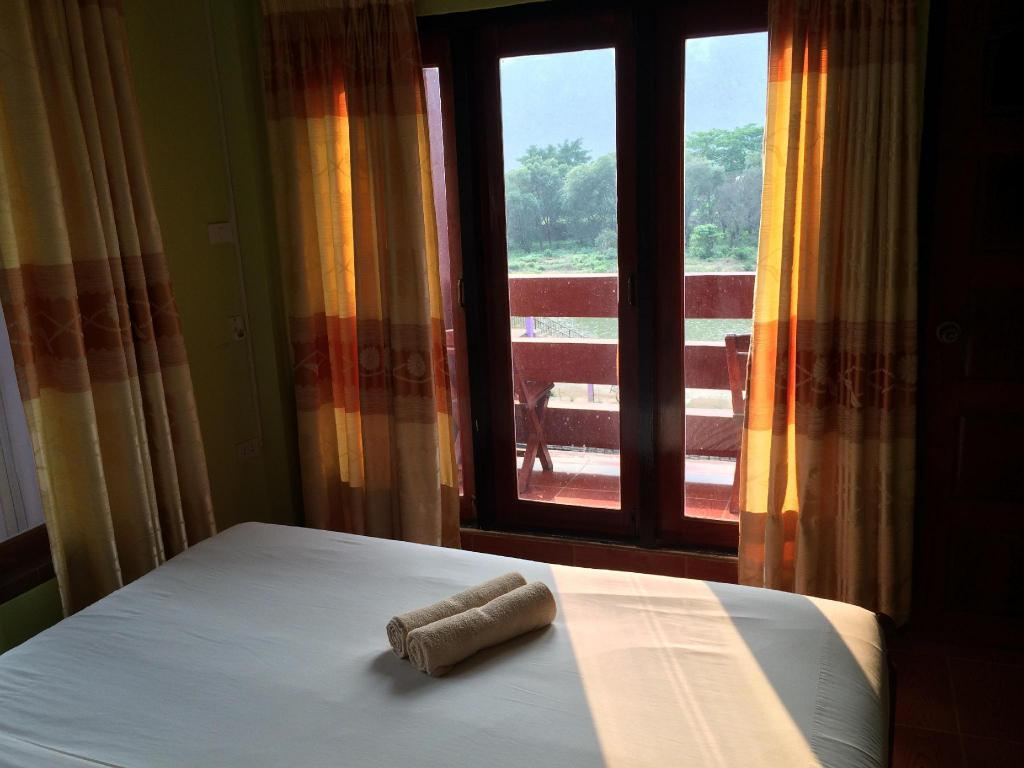 Standard Double Room With Balcony River View Popular View Guesthouse