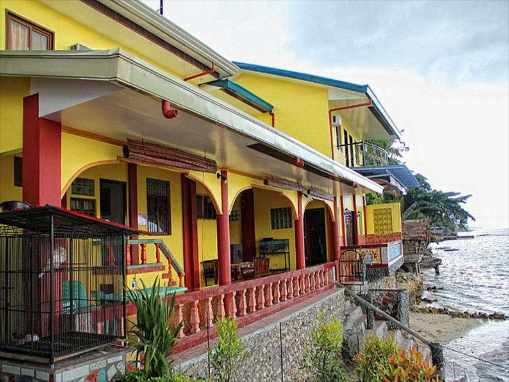Capt  Hook's Red Parrot Inn Resort (Davao City) - Deals