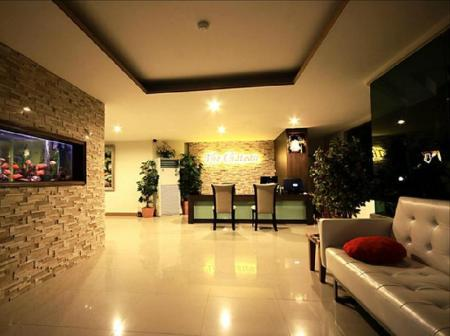 Lobby The Chateau Luxury Serviced Apartment