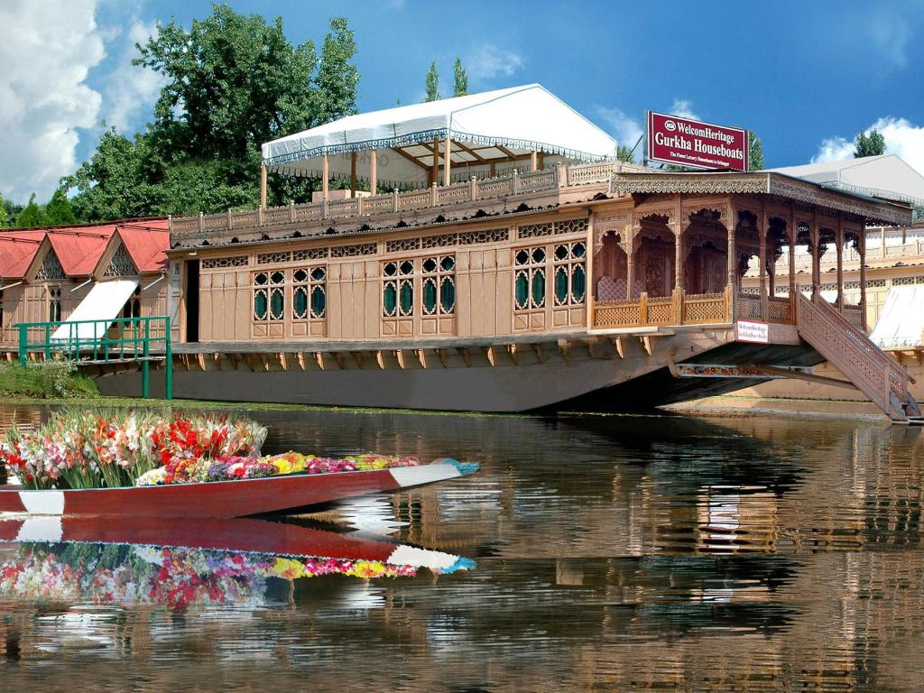 best price on welcomheritage gurkha houseboat in srinagar reviews