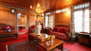 Royal dandoo Houseboat