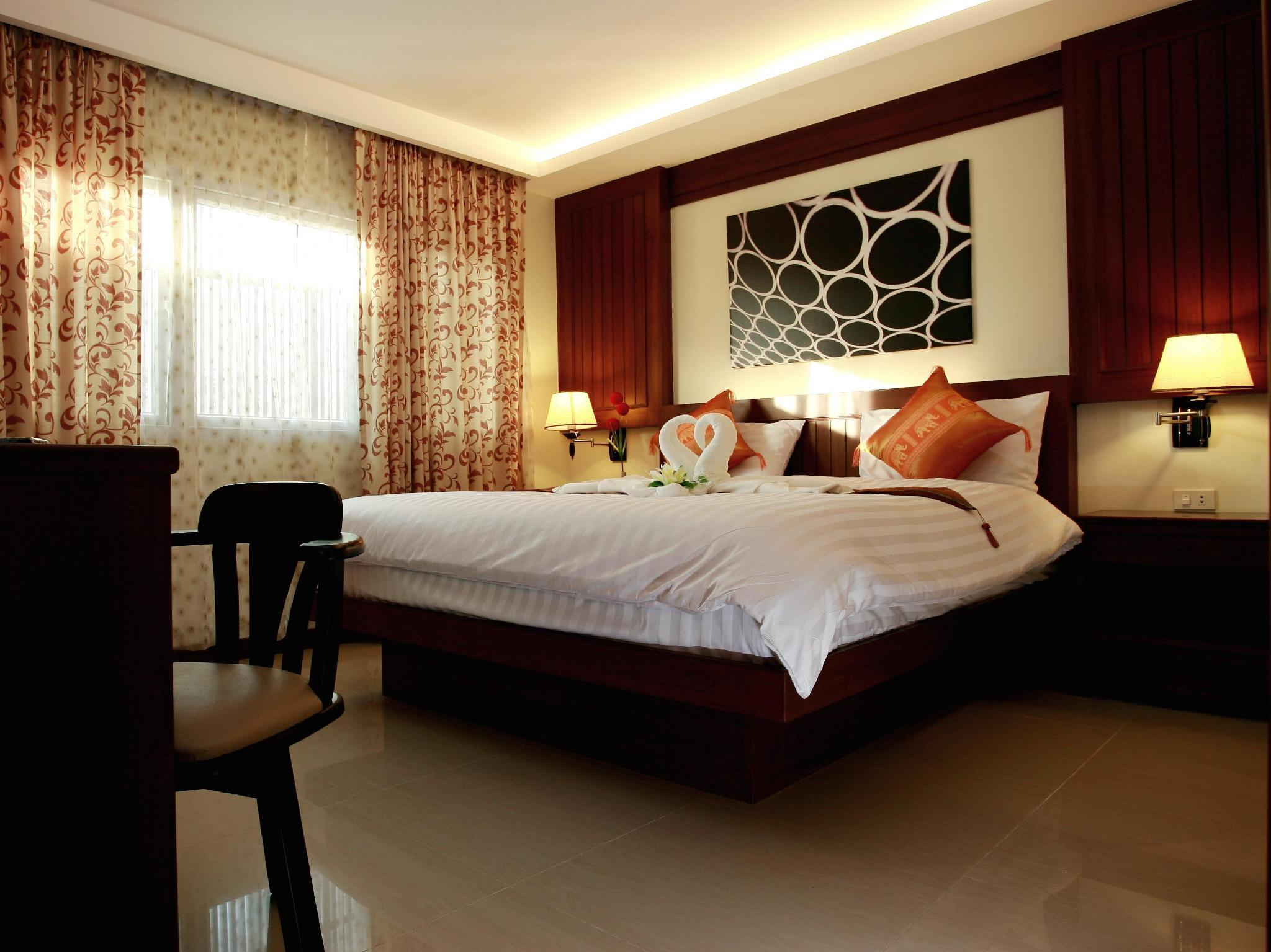 Superior Room with King Bed