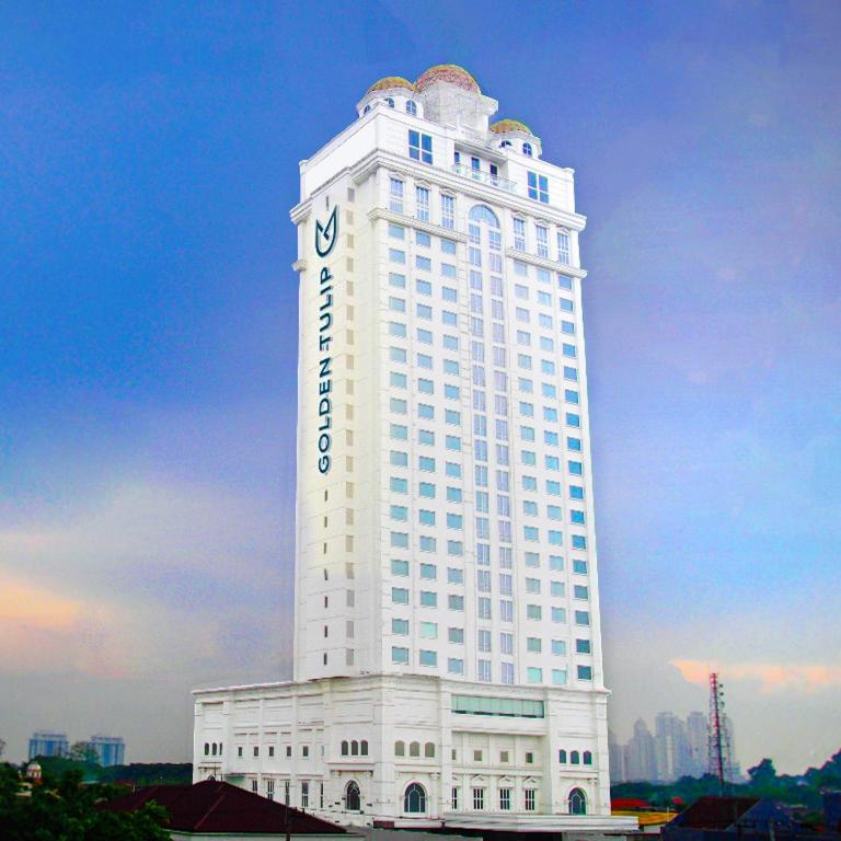 More about Golden Tulip Legacy Surabaya
