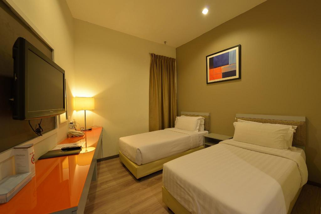 Superior Twin Room without View - Non-Smoking - Bed Abell Hotel