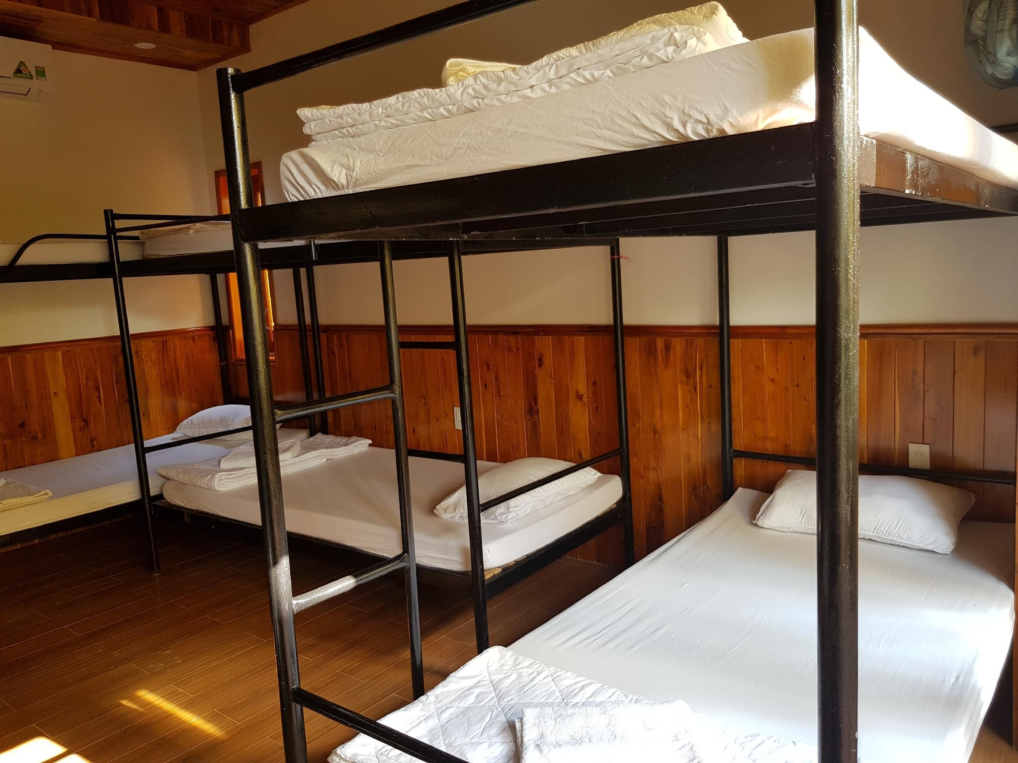 1 Bed in 10-Bed Dormitory
