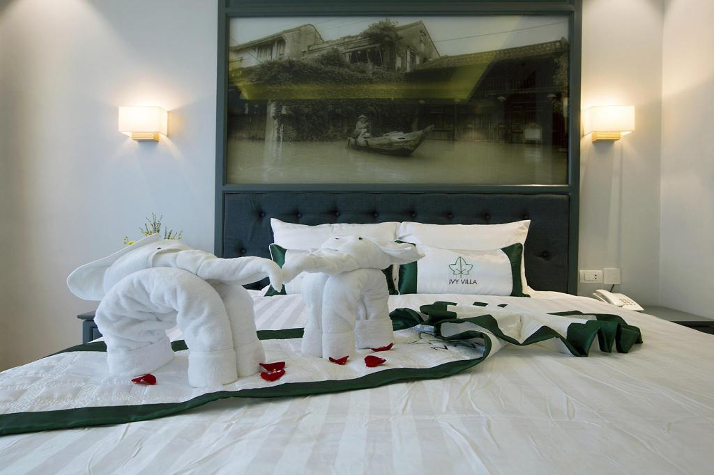 Bed Ivy Villa One Superior Room with Double Bed 01