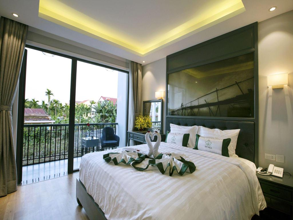 Ivy Villa One Deluxe Room with Double Bed 04