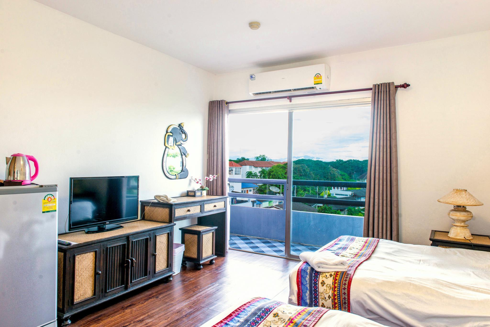 Best Price on Jade Tower Downtown in Chiang Mai + Reviews