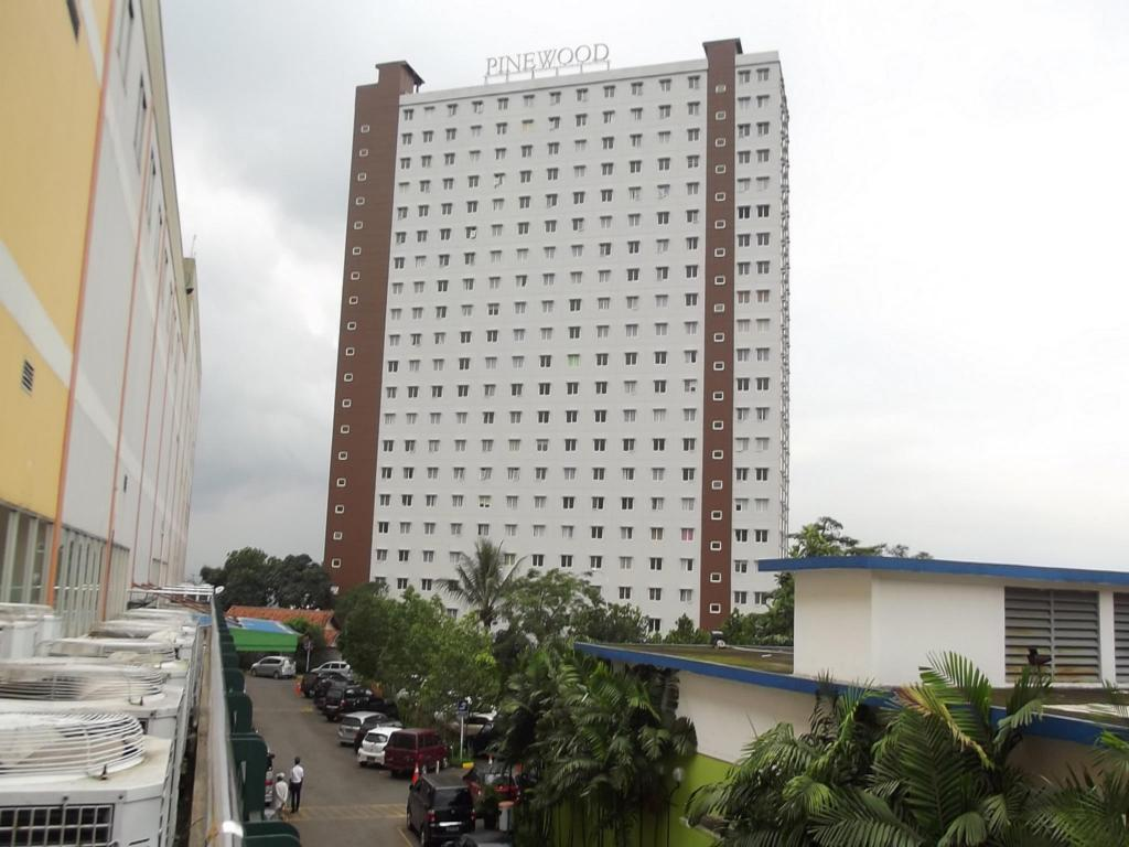 2BR Apartment Pinewood - Candra 7
