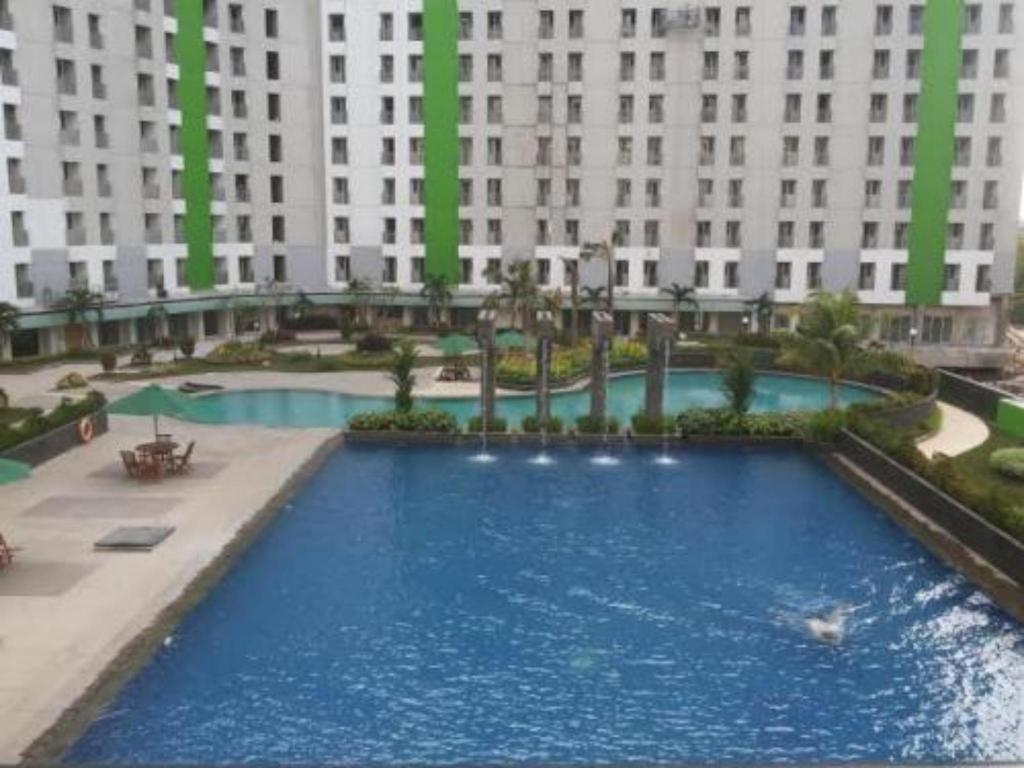 Apartment Green Lake View Ciputat CR by Bahri 5