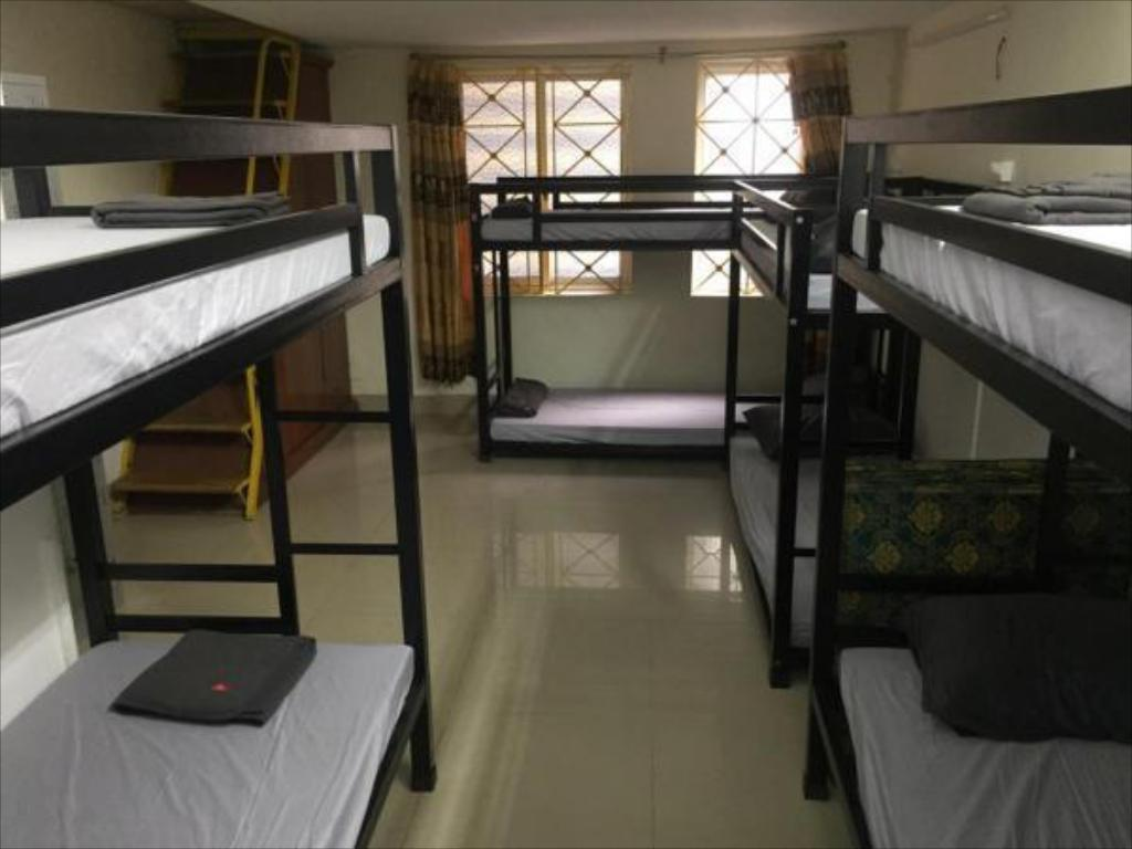 1 Person in 10-Bed Dormitory - Female Only - Bathroom