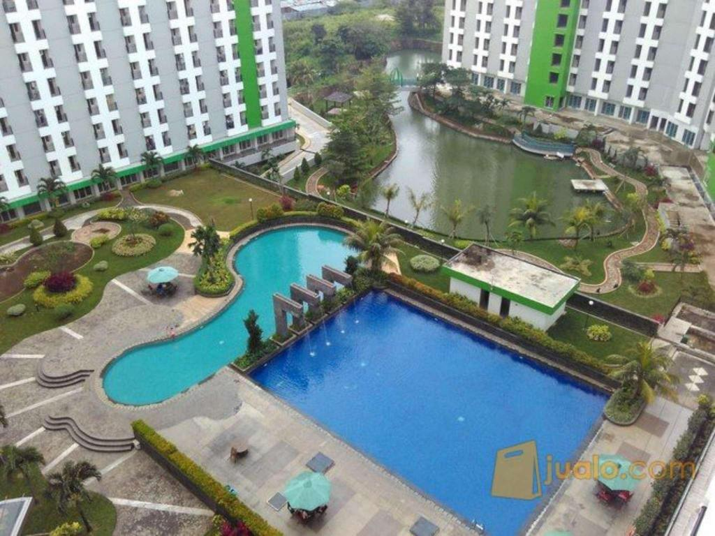 basen odkryty Studio Apartemen Green Lake View by HH 4