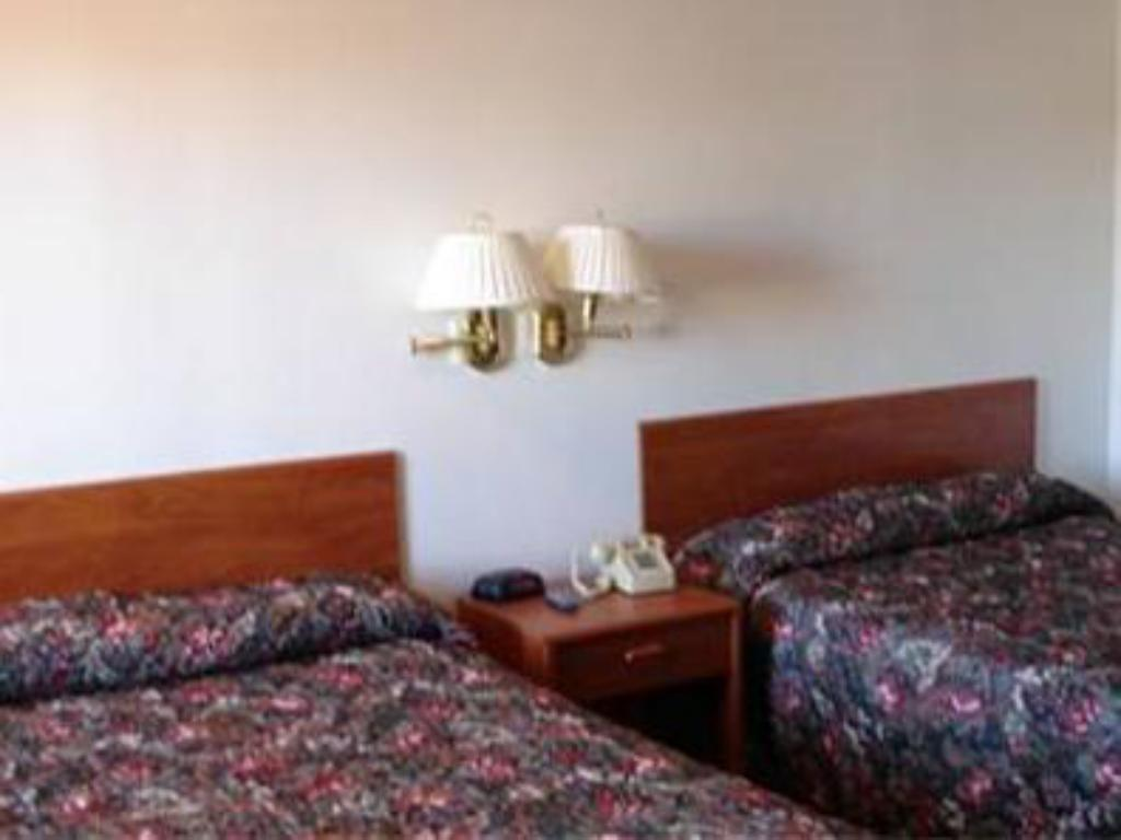 Double Queen Bed - Bed Rodeway Inn Cedar City