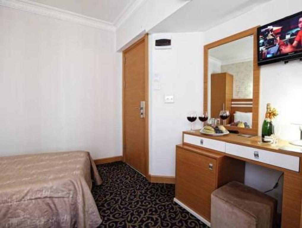 Double or Twin Room Aspalace Hotel