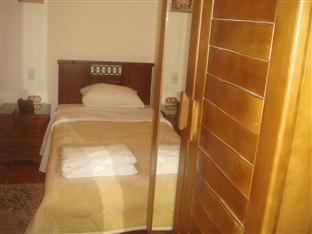 Singola con Doccia (Single Room with Shower)