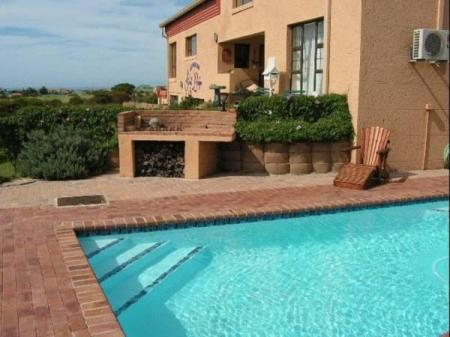 Swimming pool Mossel Bay Golf Lodge
