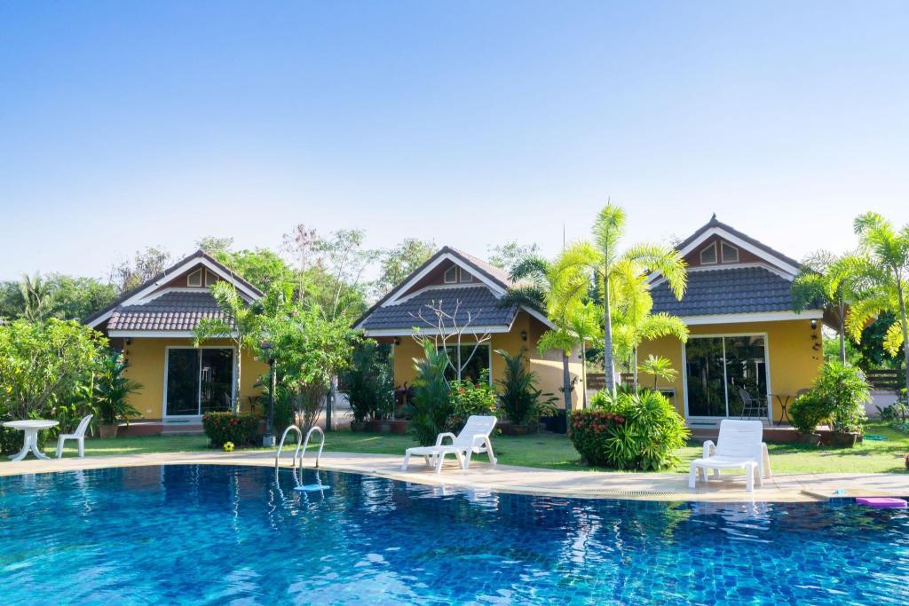 Baan Sunset Resort In Pattaya Room Deals Photos Reviews