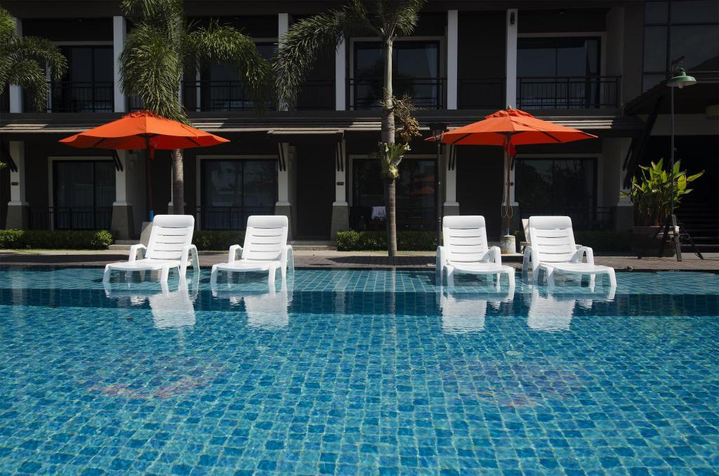 Swimming pool [outdoor] P'Private Boutique Park Resort Cha Am