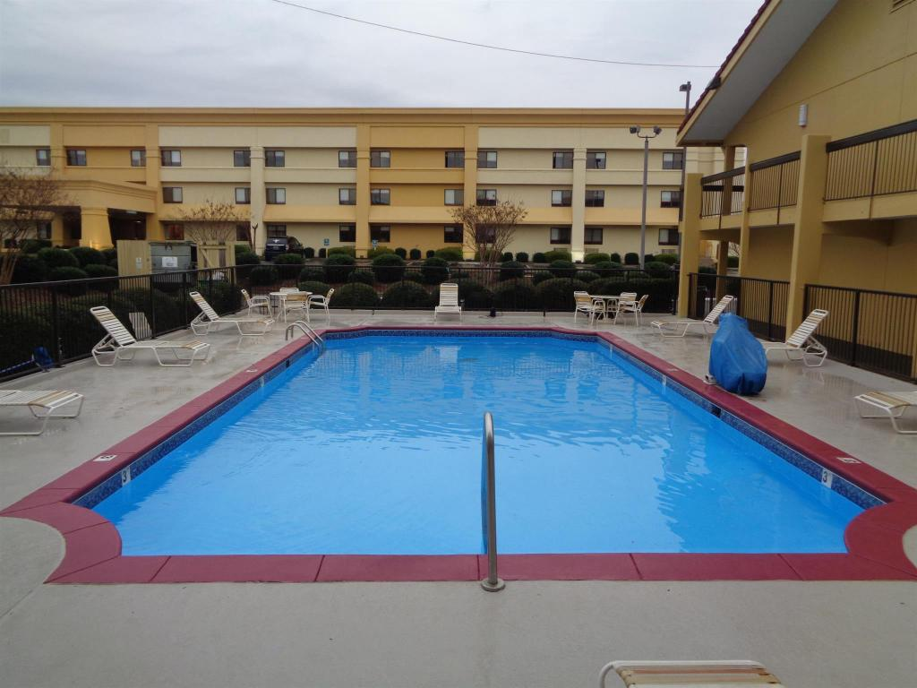 Swimming pool [outdoor] SureStay Hotel Montgomery by Best Western