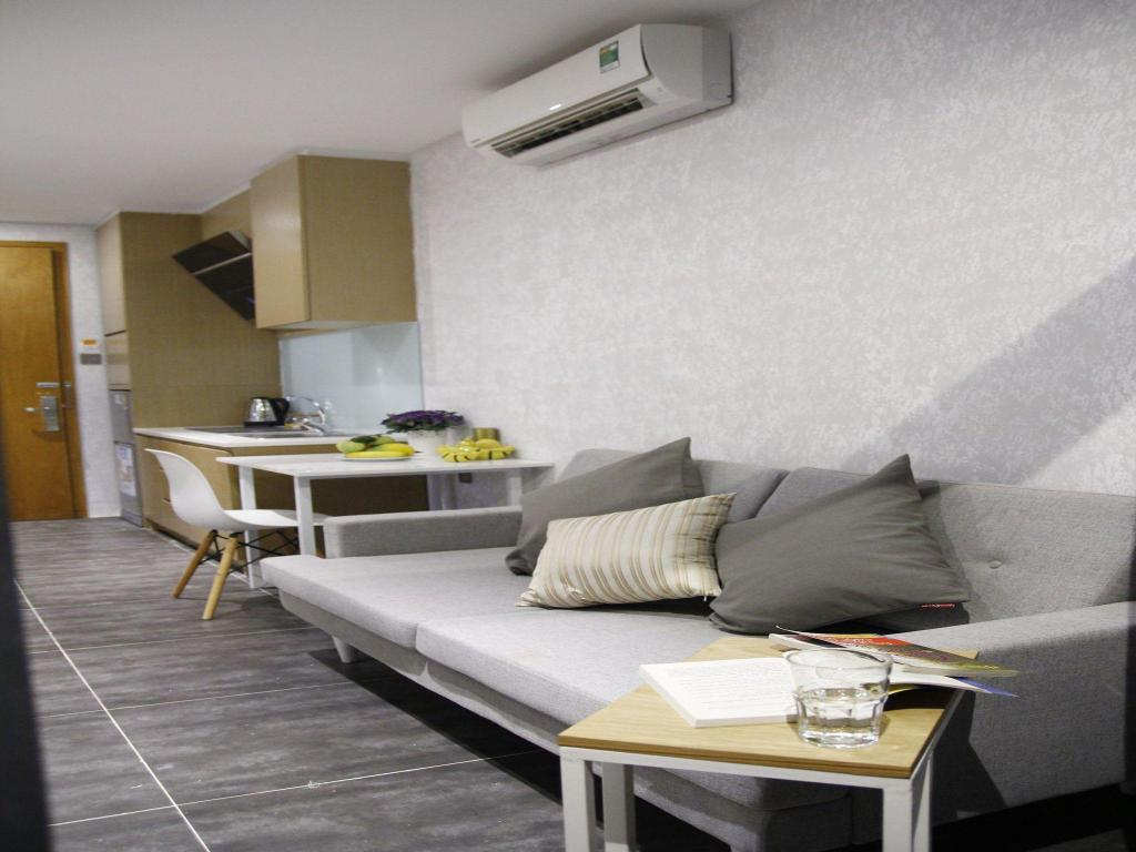 Kamar tidur Full House Services Apartment 3